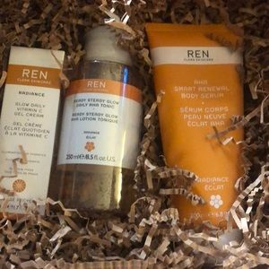REN READY STEADY GLOW & AHA GIFT BOX